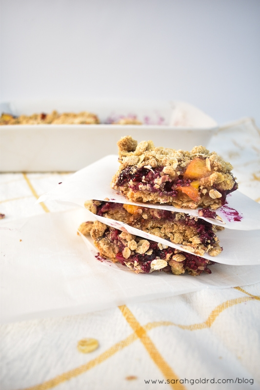 Blueberry peach crumble bars